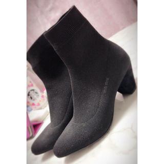 ミュウミュウ(miumiu)のMIUMIU ソックスブーツ(ブーツ)