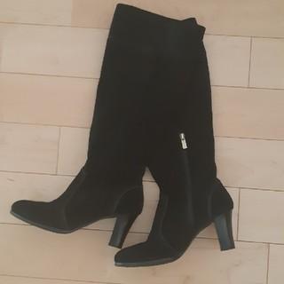 ヌォーボ(Nuovo)のスエードブーツ 黒(ブーツ)