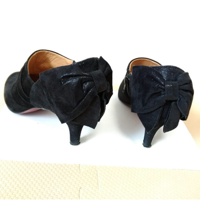Odette e Odile(オデットエオディール)のオデット エ オディール  スウェード ショートブーツ ブーティー ブラック レディースの靴/シューズ(ブーティ)の商品写真