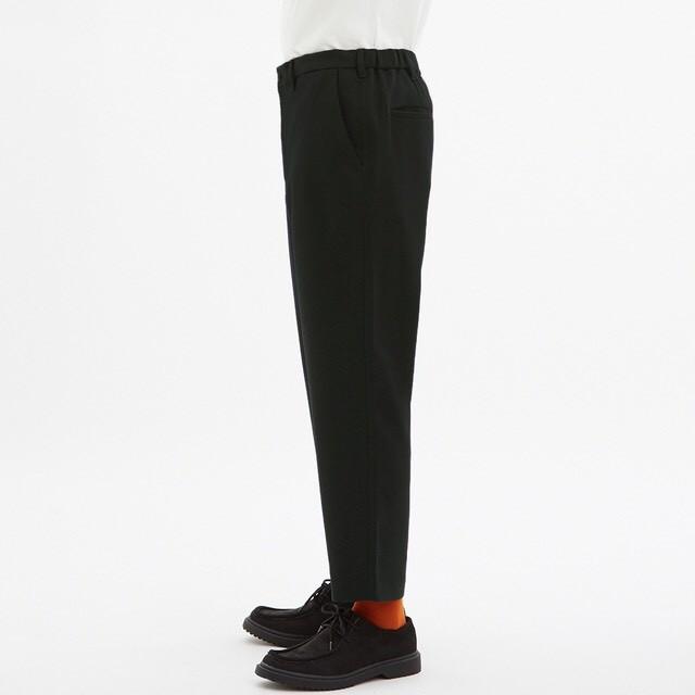 GU(ジーユー)のイージーアンクルパンツ メンズのパンツ(スラックス)の商品写真