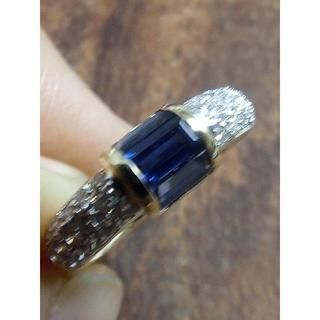 美しいブルー!ステップカットのサファイアです!750サファイアリング 10号(リング(指輪))