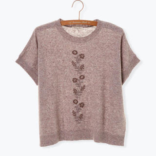 サマンサモスモス(SM2)のSM2 ☆ 今期 刺繍プルオーバー ニット 新品(カットソー(半袖/袖なし))