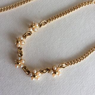 レリアン(leilian)のレリアン ネックレスとブレスレット セット 白いビーズの小花(ネックレス)