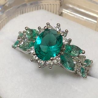 透き通るエメラルドカラー☆ レディース シルバーリング 指輪 プレゼント(リング(指輪))