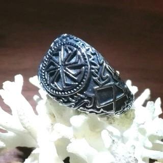 古代北欧バイキングシンボルのガンメタル色のリング(リング(指輪))