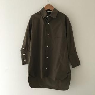 マディソンブルー(MADISONBLUE)のMADISONBLUE  CUFF SHIRT カフシャツ カーキ(シャツ/ブラウス(長袖/七分))