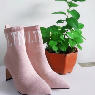 ヴァレンティノ(VALENTINO)のトレンド ソックスブーツ(ブーツ)
