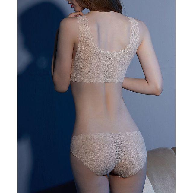 新品 シームレス ノンワイヤーブラ&ショーツ セール Sベージュ レディースの下着/アンダーウェア(ブラ&ショーツセット)の商品写真