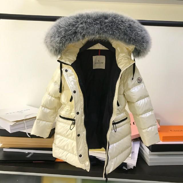 MONCLER(モンクレール)のMONCLER   140    ホワイト キッズ/ベビー/マタニティのキッズ服 女の子用(90cm~)(ジャケット/上着)の商品写真