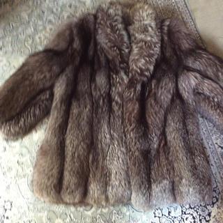 シルバーフォックスのコート(毛皮/ファーコート)