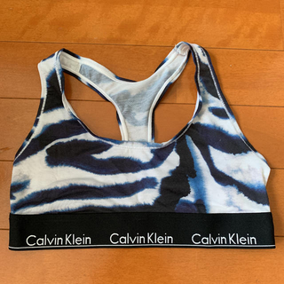 Calvin Klein スポーツブラ