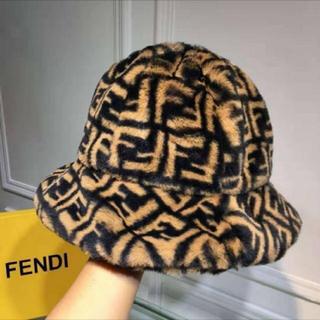 FENDI - FENDI  FFロゴ ブラウンシアリングハット
