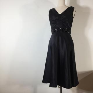 カルバンクライン(Calvin Klein)の美品 カルバンクライン ワンピース ノースリーブ ブラック 2 スパンコール(ミディアムドレス)
