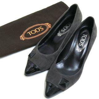 トッズ(TOD'S)のTOD'S スタッズ付 バイカラー スエード パンプス size35 1/2 (ハイヒール/パンプス)