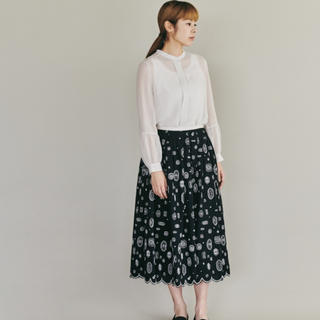 ミナペルホネン(mina perhonen)のmina perhonen  gemmaスカート(ひざ丈スカート)