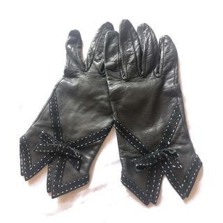 トゥービーシック(TO BE CHIC)のTO  BE  CHIC  黒革グローブ  フォクシー  レネ(手袋)