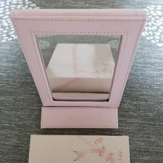 ナリスケショウヒン(ナリス化粧品)の【即購入OK】新品ナリス折りたたみ式可愛い化粧鏡。(ミラー)