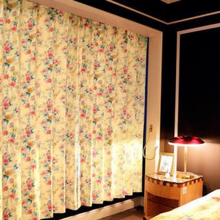 レディー(Rady)のrady フラワーカーテン 新品未使用 135 2枚1組 定価15000円(カーテン)