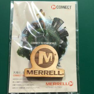モンベル(mont bell)の【 MERRELL 】 ピンバッチ 【非売品】(ノベルティグッズ)