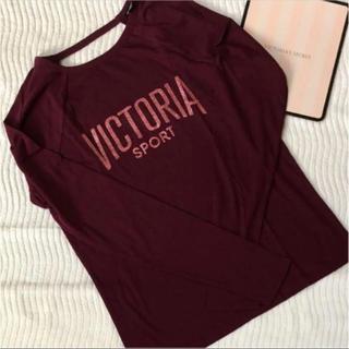 ヴィクトリアズシークレット(Victoria's Secret)の1点のみ!ヴィクシー【新品未使用】S ラメロゴ ロング Tシャツ(Tシャツ(半袖/袖なし))