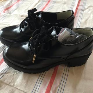 シマムラ(しまむら)のエナメル  ローファー リボンシューズ(ローファー/革靴)
