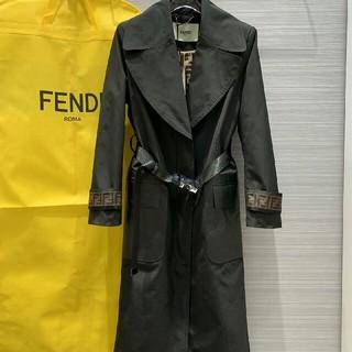 フェンディ(FENDI)のFENDI(フェンディ) 大人気レディースファッション コートM(ロングコート)