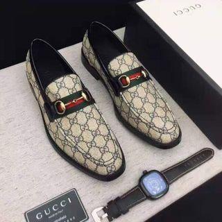 Gucci - グッチ ローファー25 革靴