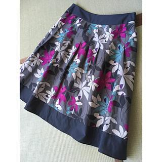 ローラアシュレイ(LAURA ASHLEY)のローラアシュレイ LAURA ASHLEY    スカート(ひざ丈スカート)