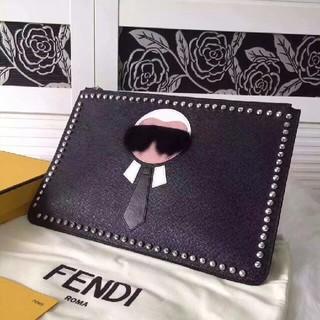 フェンディ(FENDI)のFENDI ★クラッチ バッグ(クラッチバッグ)