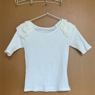 ミーア(MIIA)のMIIA白フリル袖トップス(カットソー(半袖/袖なし))