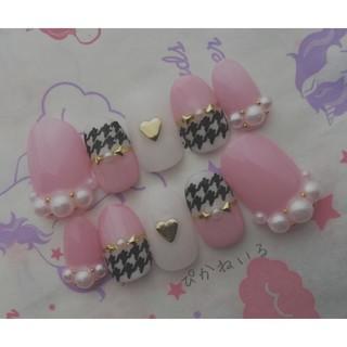 ピンク×千鳥格子♡短めオーバルネイル
