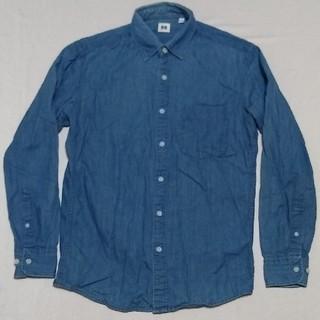 ユニクロ(UNIQLO)のUNIQLO デニムシャツ S ブルー ユニクロ 綿100%コットン 青 長袖(シャツ)