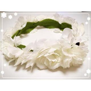 クレアーズ(claire's)のclaire's 花かんむり 花冠 ヘッドドレス 白 コスプレ ハロウィン(その他)