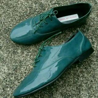 センスオブプレイスバイアーバンリサーチ(SENSE OF PLACE by URBAN RESEARCH)のアーバンリサーチ 靴 カーキ(ローファー/革靴)