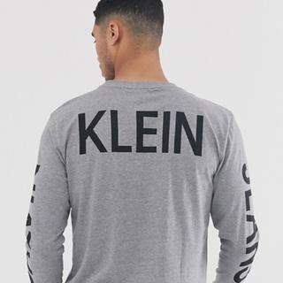 カルバンクライン(Calvin Klein)の新品未使用 カルバンクライン バックプリントカットソー ロンT グレー  XL(Tシャツ/カットソー(七分/長袖))