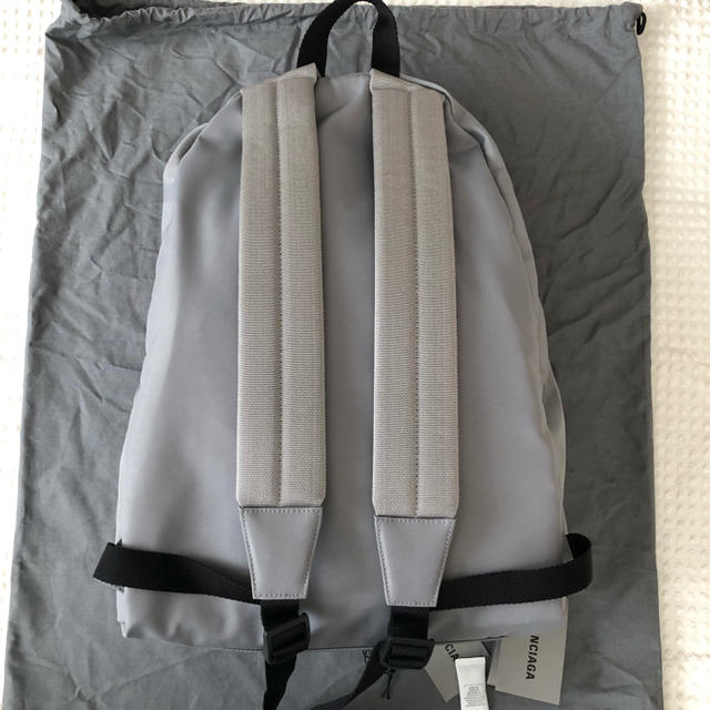 BALENCIAGA BAG(バレンシアガバッグ)の新品!BALENCIAGA ロゴ刺繍ナイロンバックパック 定価12.6万円 メンズのバッグ(バッグパック/リュック)の商品写真