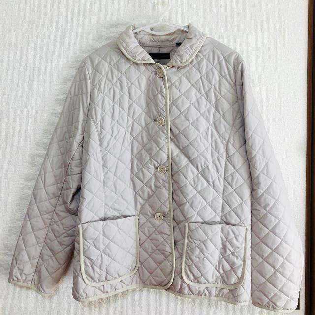 UNIQLO(ユニクロ)の☆UNIQLO キルティングジャケット XL  ベージュホワイト レディースのジャケット/アウター(テーラードジャケット)の商品写真