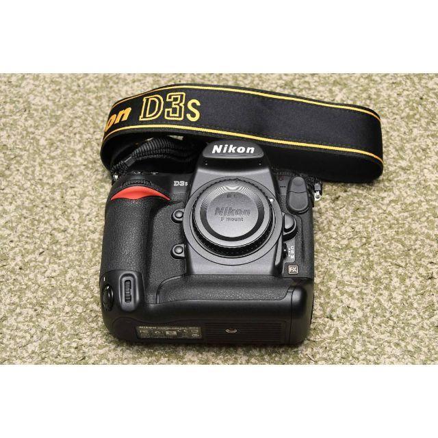Nikon(ニコン)のニコン「D3s」ボディ 美品 (完動品) ショット数4,000回以下 ※おまけ付 スマホ/家電/カメラのカメラ(デジタル一眼)の商品写真