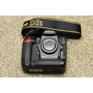 ニコン(Nikon)のニコン「D3s」ボディ 美品 (完動品) ショット数4,000回以下 ※おまけ付(デジタル一眼)