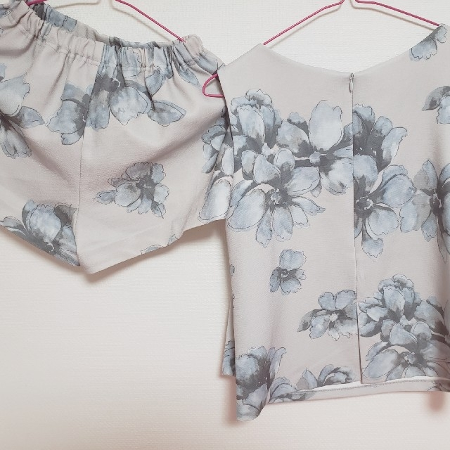 COCO DEAL(ココディール)のココディール セットアップ 花柄 レディースのワンピース(その他)の商品写真