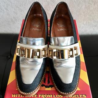 ジェフリーキャンベル(JEFFREY CAMPBELL)のJEFFREY CAMPBELL ジェフリーキャンベル ローファー パンプス(ローファー/革靴)