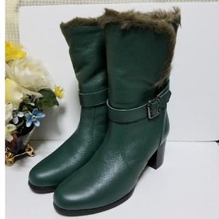 アルファキュービック(ALPHA CUBIC)のアルファキュービックのファー付きミドル丈ブーツ☆新品未使用☆22.5センチ(ブーツ)