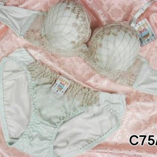046★C75 M★美胸ブラ ショーツ 谷間メイク ダイアチェック刺繍 緑(ブラ&ショーツセット)
