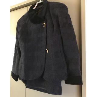 ポーラ(POLA)のPOLA amian〇ネイビー ツイードのスーツ(ジャケット&スカート) 11号(スーツ)