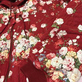 ピンクハウス(PINK HOUSE)のピンクハウス💖表・裏共お花💐柄が豪華・中綿入りフード付ジャケット美品💕(ジャケット/上着)