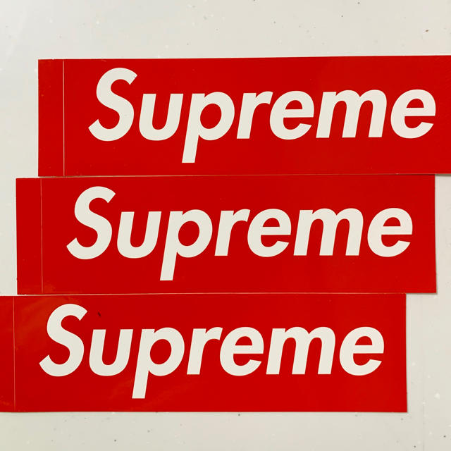 Supreme(シュプリーム)のsupreme ステッカー 3枚 自動車/バイクのバイク(ステッカー)の商品写真