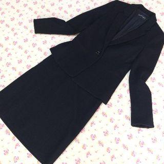 インディヴィ(INDIVI)のインディヴィ スカートスーツ 38 W70 黒 暖かい ストレッチ(スーツ)