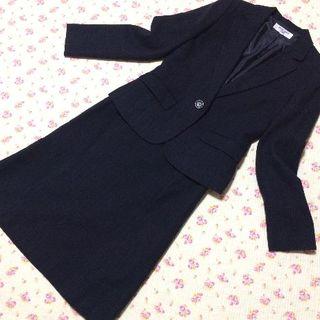 ナチュラルビューティーベーシック(NATURAL BEAUTY BASIC)のナチュラルビューティー スカートスーツ M W68 濃紺 ラメ OL ビジネス(スーツ)