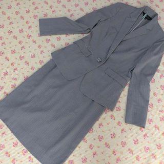 インディヴィ(INDIVI)のインディヴィ スカートスーツ 上36下38 W70 グレー 夏 ストレッチ OL(スーツ)
