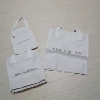 ディーンアンドデルーカ(DEAN & DELUCA)のグロウ付録 ディーン&デルーカ DEAN&DELUCA保冷バッグ3点セット 白(弁当用品)